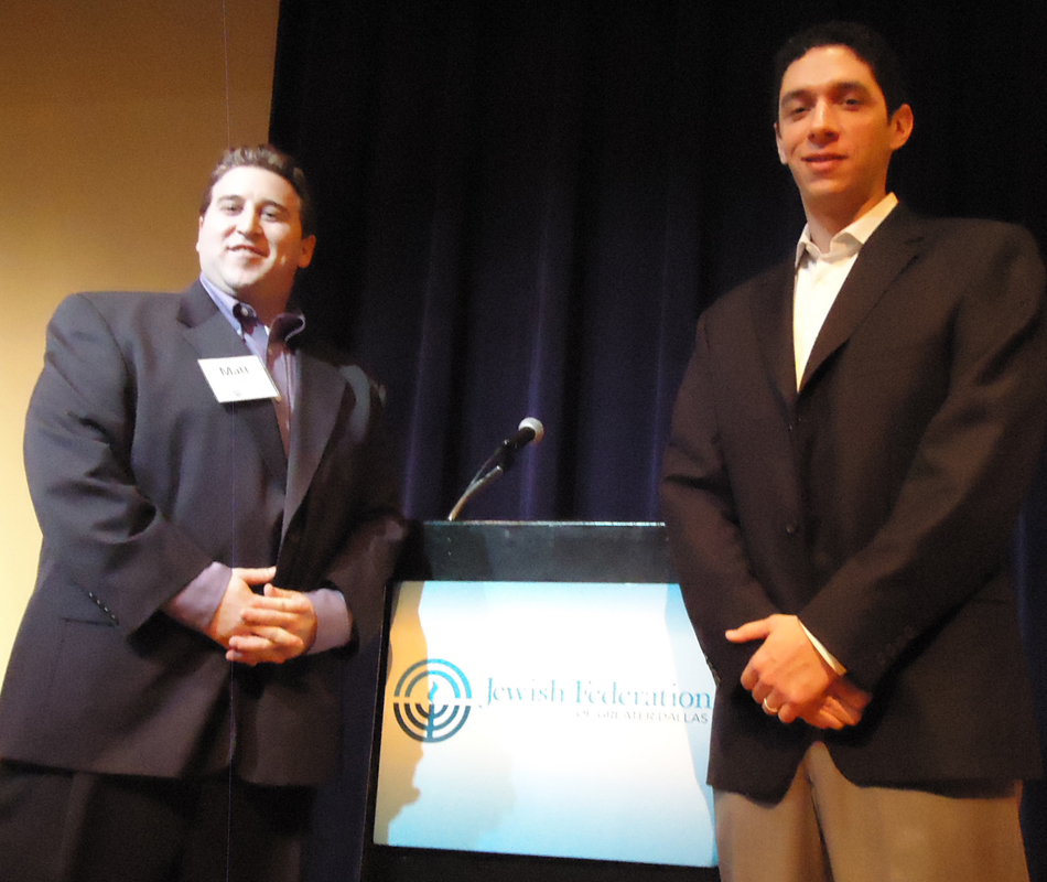 Texas Rangers general manager Jon Daniels, right, talked about the upcoming baseball season on Jan. 9 at the Jewish Federation of Greater Dallas' business breakfast series, of which Matt Prescott, left, is co-chair. | Photo: Rachel Gross Weinstein