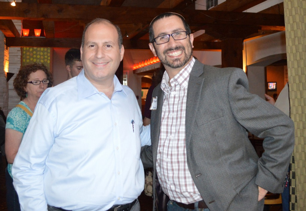 Rabbi Matt Rosenberg (right) visited the Metroplex to meet Aggie supporters, alumni, parents and students. He is shown here at one of his many stops, Blue Mesa Grill in Addison with Ben Schepps. | Photos: TJP Staff