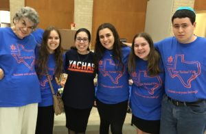 From left, Ellen Reichenthal, Deborah Brown, Eliana Abraham, Tamar Rosenwald, Rebecca Herschberg and Zach Katzenelenbogen at the 2017 Houston/Dallas Yachad Shabbaton, this year held in Houston. Eliana and Rebecca are Yavneh Academy students and Dallas Yachad participants.