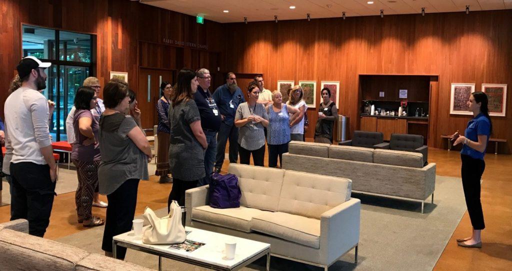 Ed Fellow Leah Wittenberg teaching Dallas religious school teachers