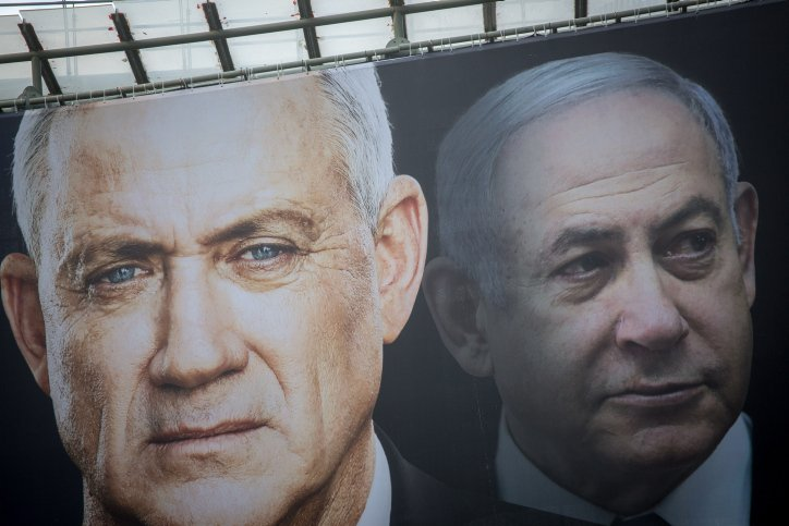 Netanyahu and Gantz sign agreement for 'national emergency government' that keeps Netanyahu as prime minister for now