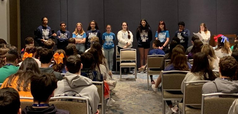 Read more about the article Temple Shalom Sisterhood hosts teen workshop