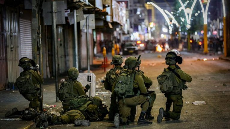 Read more about the article IDF soldiers thwart terror attack in Hebron
