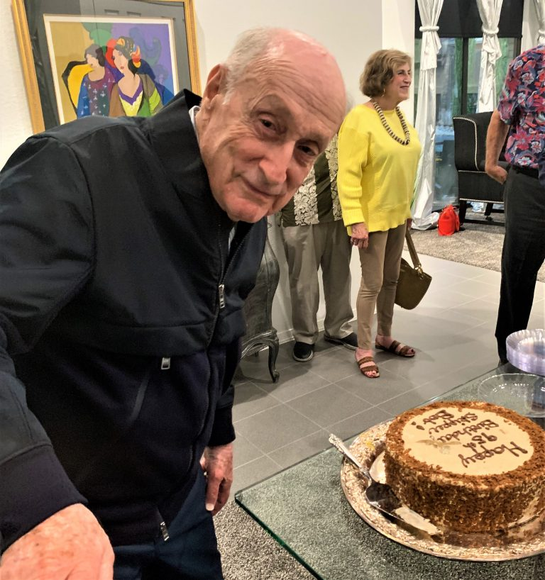Read more about the article 'Mayor' Bob Weinfeld celebrates 95th birthday
