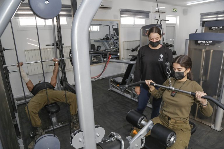 Read more about the article IDF soldiers benefit from Browns' interest in their well-being