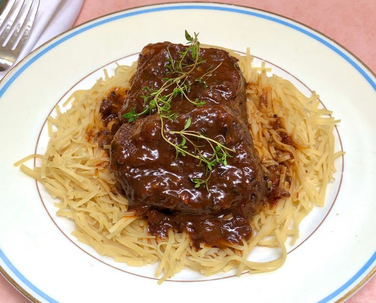 Read more about the article Braised Short Ribs with Honey and Thyme